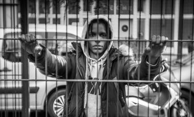 """Visueel van project Exposition Photos & Projet Photo avec des Jeunes. Thématique """"Dans ma Rue"""""""