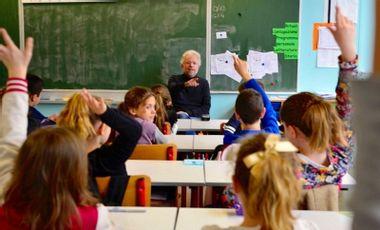 Visueel van project Donner accès aux ateliers de philosophie aux enfants sourds et malentendants !