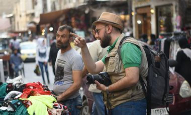 Visueel van project Help Antoine, young photographer from Aleppo, to make his dream come true…
