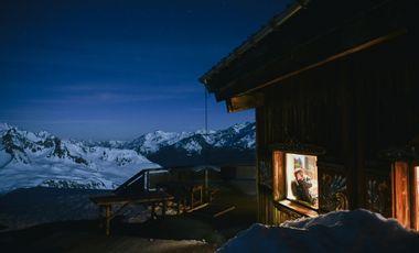Project visual En route vers le logement insolite le plus haut d'Europe !