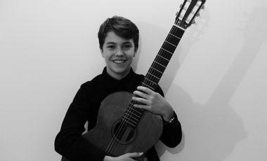 Project visual Projet participatif: concert en Russie et achat d'une guitare professionnelle.