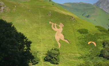 Project visual Géoglyphes Justaltitude 2020 en Vallée d'Aspe