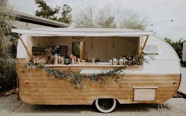 Visuel du projet La Fabrique des jolis mots : Un Food Truck pour les mariages alternatifs !