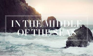 "Visueel van project HAPPENING   ""IN THE MIDDLE OF THE SEAS"""