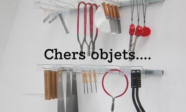 """Visueel van project Exposition """"Chers Objets"""", avec des jeunes artistes des Beaux-Arts de Paris"""