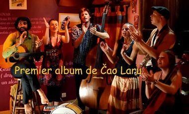 Visueel van project Premier album de Čao Laru !