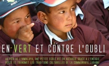 Visueel van project DRUK WHITE LOTUS SCHOOL  -  EN VERT ET CONTRE L'OUBLI
